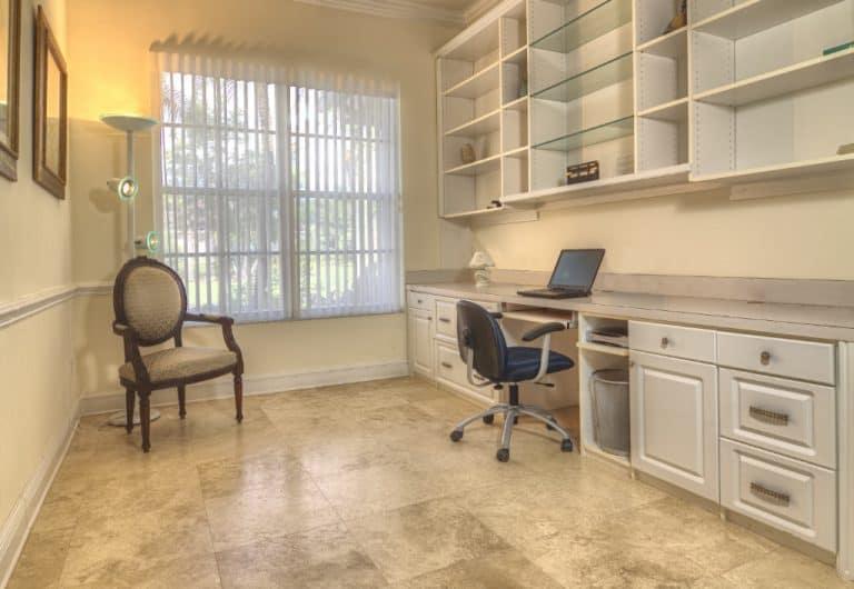 top-5-benefits-of-installing-built-in-shelves