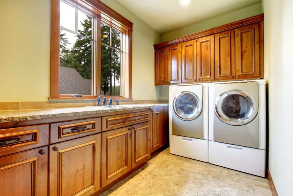 things-to-remember-before-installing-laundry-room-cabinets