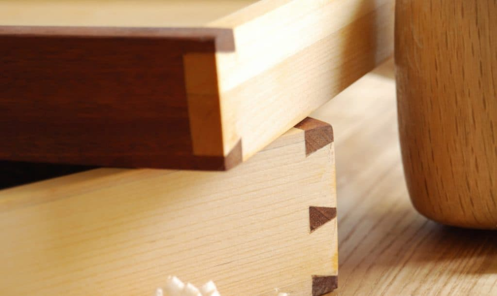 What is Dovetail Construction