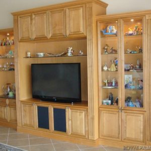 Custom-Wall-Units-and-Entertainment-Centers-1024x767
