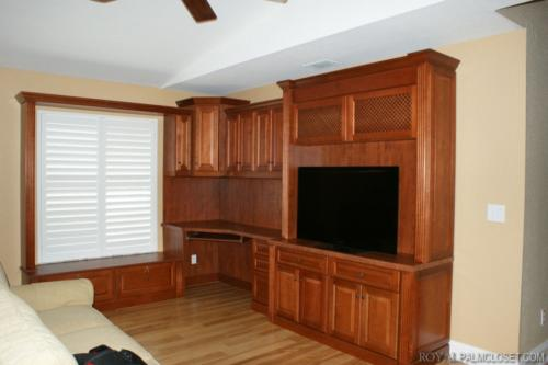 Custom-Wall-Units-and-Entertainment-Centers-3-1024x682