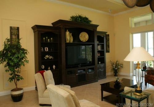 Custom-Wall-Units-and-Entertainment-Centers-6-1024x712