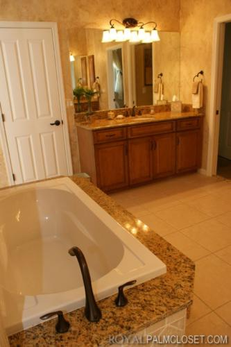 Royal-Palm-Bathrooms-and-Vanities-19